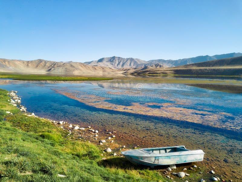 Bulunkul a lo largo de la carretera de Pamir, hdr admitido admitido de Tayikistán en agosto de 2018 imagen de archivo libre de regalías