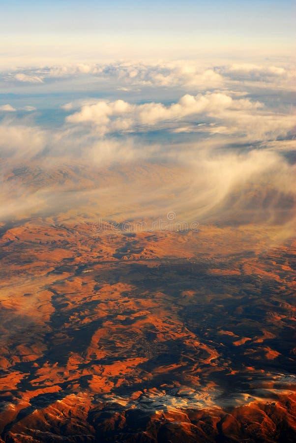 Bulutlar VE daÄŸlar - nuages et montagne photo libre de droits