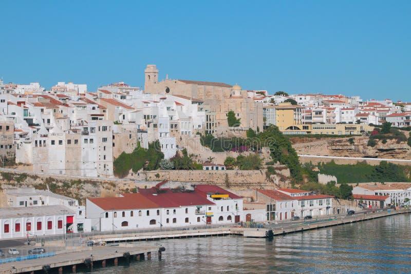 Bulwar, miasto i kościół San Fransisco, Mahon, Minorca, Hiszpania zdjęcia royalty free