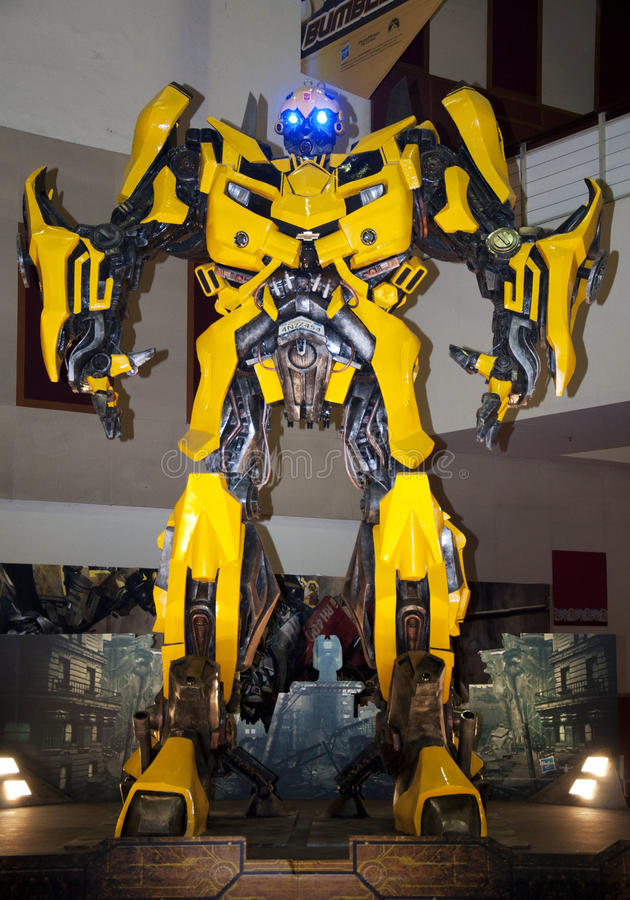 bumblebee transformatory obrazy royalty free