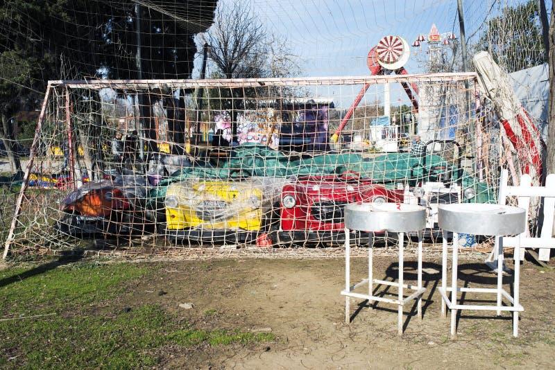 Bumping автомобили в цели в парке атракционов в Стамбуле, Турции стоковое изображение rf