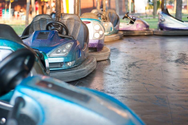 bumping автомобили стоковые изображения rf