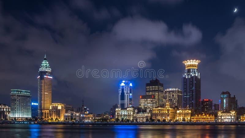 Bund di Shanghai nella notte immagine stock libera da diritti