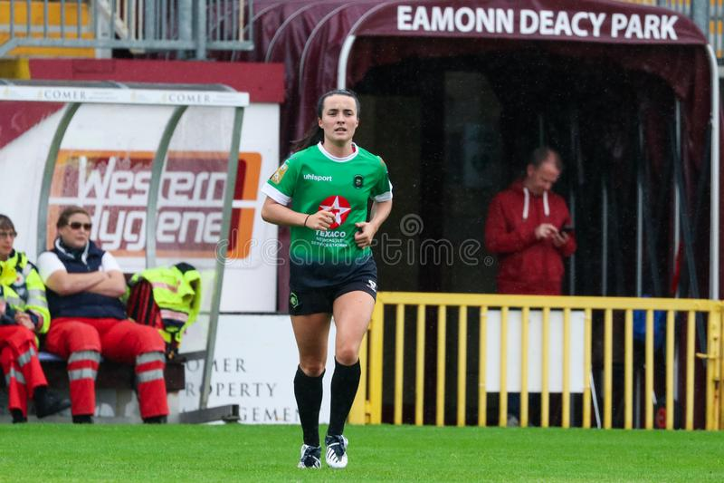 Bundesligaspiel der Frauen: Galway WFC gegen Peamount vereinigte lizenzfreie stockfotos