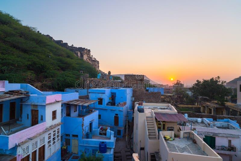 Bundi pejzaż miejski przy półmrokiem Majestatyczny miasto pałac na Jeziornym Pichola, podróży miejsce przeznaczenia w Rajasthan,  fotografia royalty free