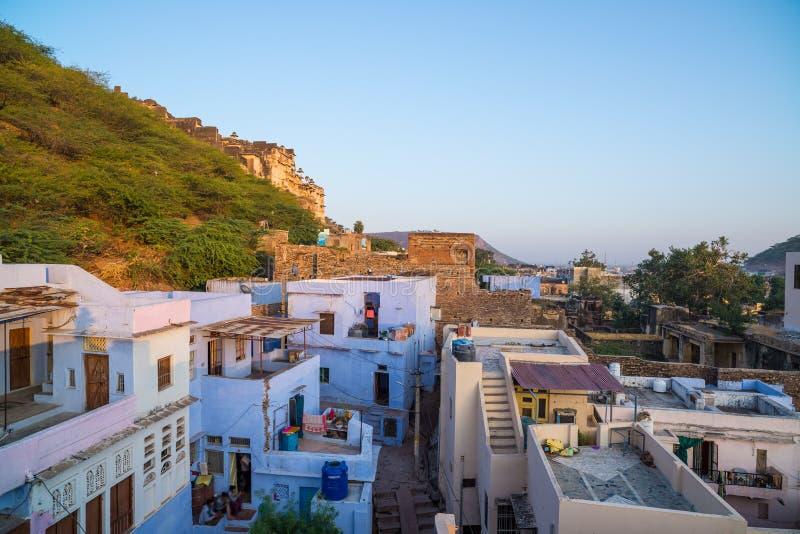 Bundi pejzaż miejski przy zmierzchem Majestatyczny miasto pałac na Jeziornym Pichola, podróży miejsce przeznaczenia w Rajasthan,  fotografia stock