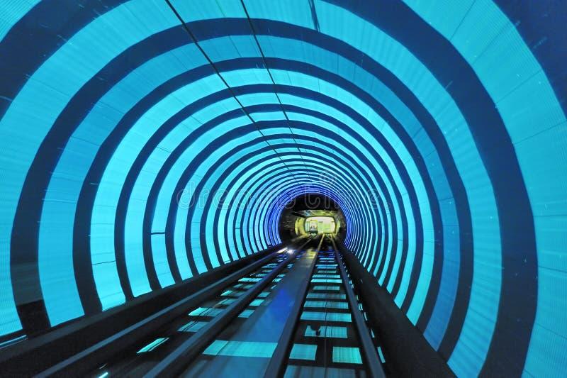 bundshanghai turist- tunnel royaltyfri foto