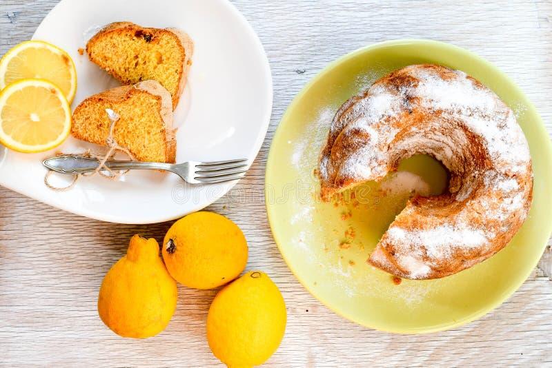 Bundt柠檬蛋糕 图库摄影
