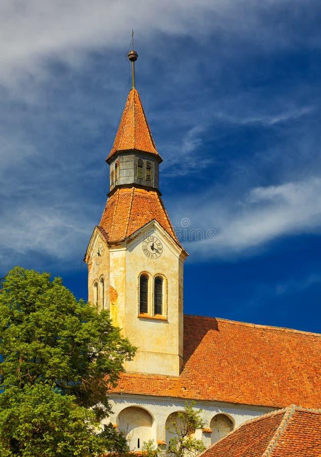 Bunesti fortificou a torre de sino da igreja fotografia de stock