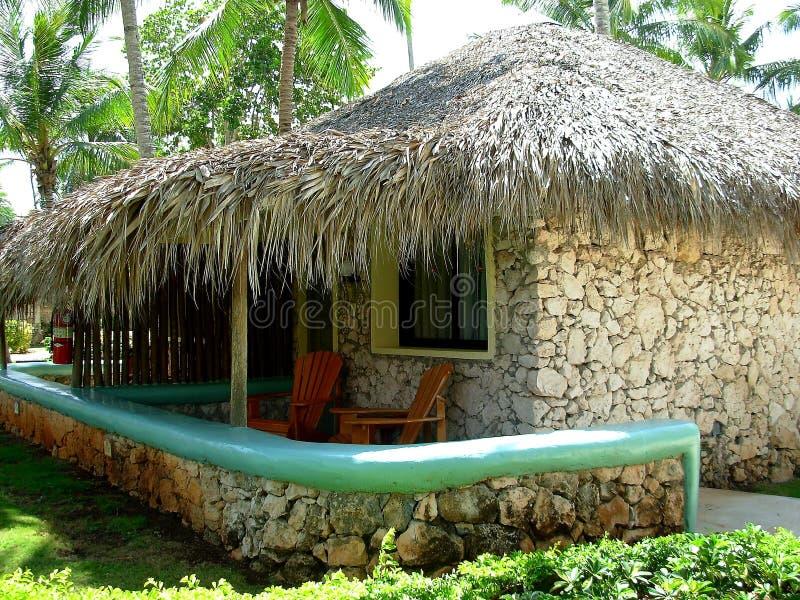 Bungalow fotografia stock immagine di casa bungalow for Fantastici disegni di bungalow
