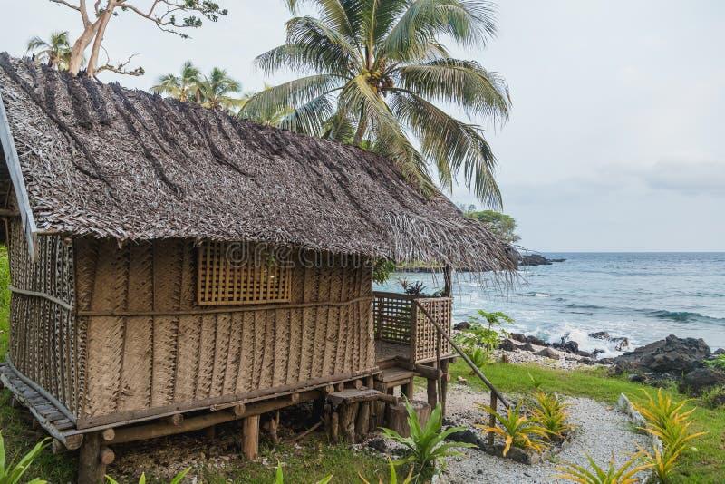 Bungalow della sorgente di acqua calda di Terter Villaggio della baia di Craig, isola di Ambrym, prov di Malampa, Vanuatu immagini stock libere da diritti