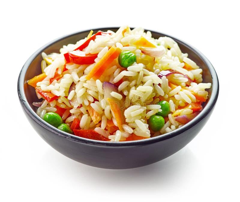 Bunke av ris och grönsaker royaltyfria foton