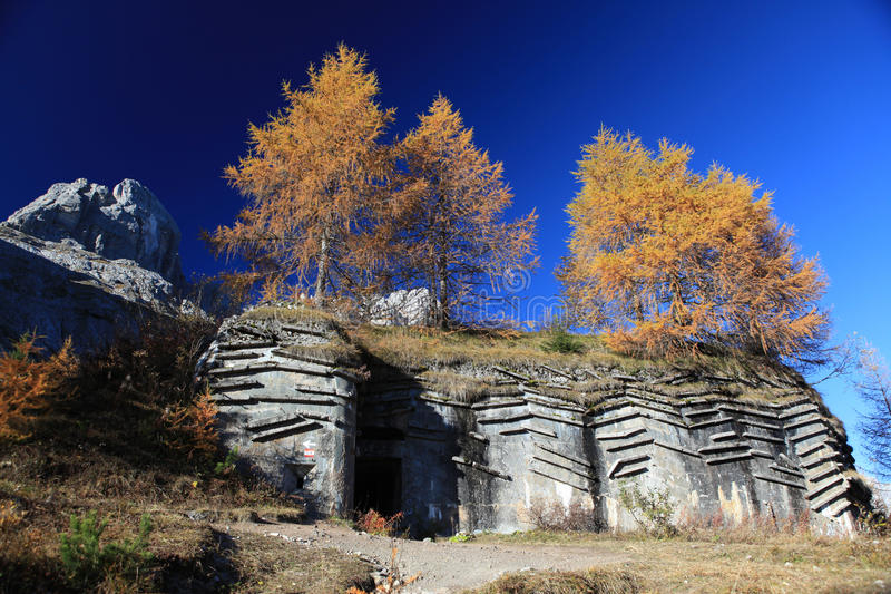 Bunker in Dolomiet/Italië stock foto