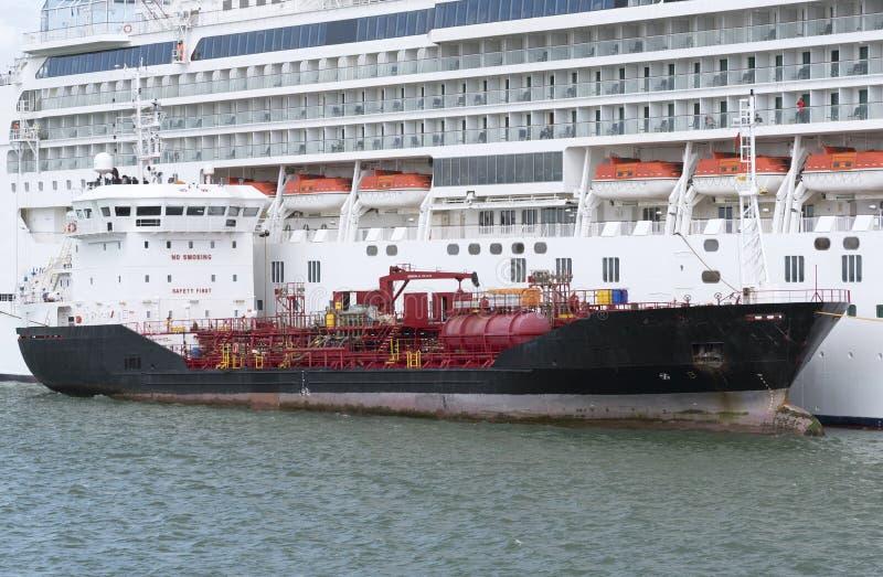 Bunkering i statki wycieczkowi Southampton Dokuje UK fotografia stock