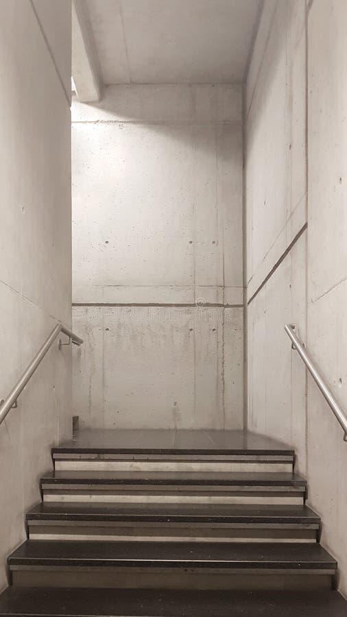 Bunkertreppe machte vom Beton lizenzfreie stockfotos