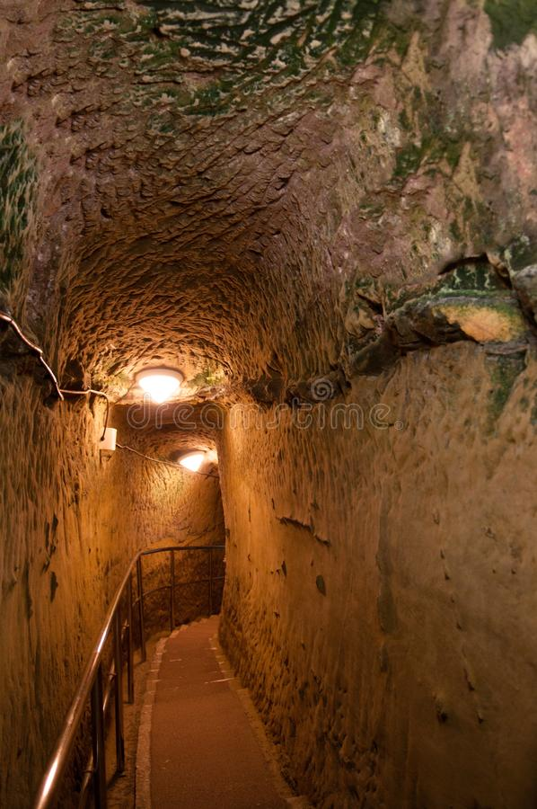 Bunkertunnelen av den tidigare japanska marintunnelbanan förlägger högkvarter royaltyfria foton