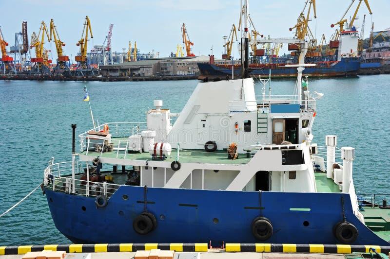 Bunkieru statku paliwa replenishment tankowiec obrazy stock
