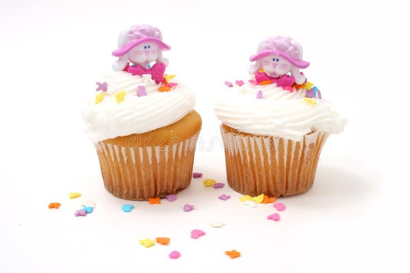 Download Bunnies cupcakes Πάσχα στοκ εικόνες. εικόνα από διακοπές - 93026
