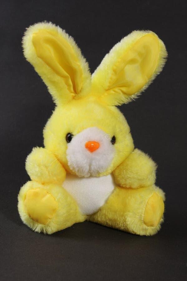 bunny παιχνίδι κίτρινο στοκ φωτογραφία με δικαίωμα ελεύθερης χρήσης