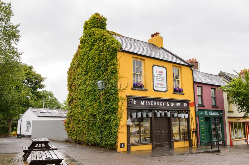 Bunratty, ένα αυθεντικό μικρό χωριό στη κομητεία Clare, Ιρλανδία στοκ εικόνα με δικαίωμα ελεύθερης χρήσης
