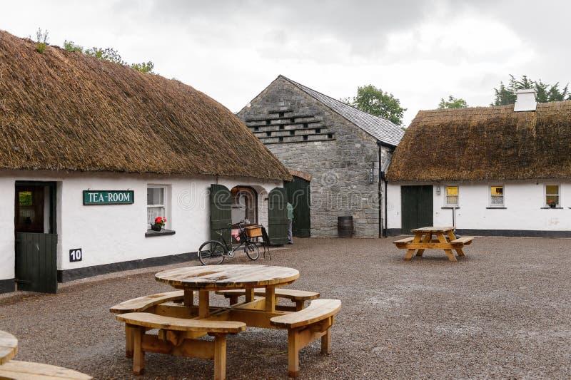 Bunratty, autentyczna mała wioska w okręgu administracyjnym Clare, Irlandia fotografia stock