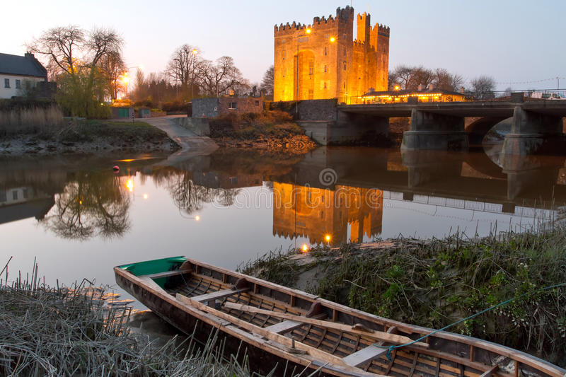 Download Bunratty castle stock photo. Image of medieval, color - 19361666