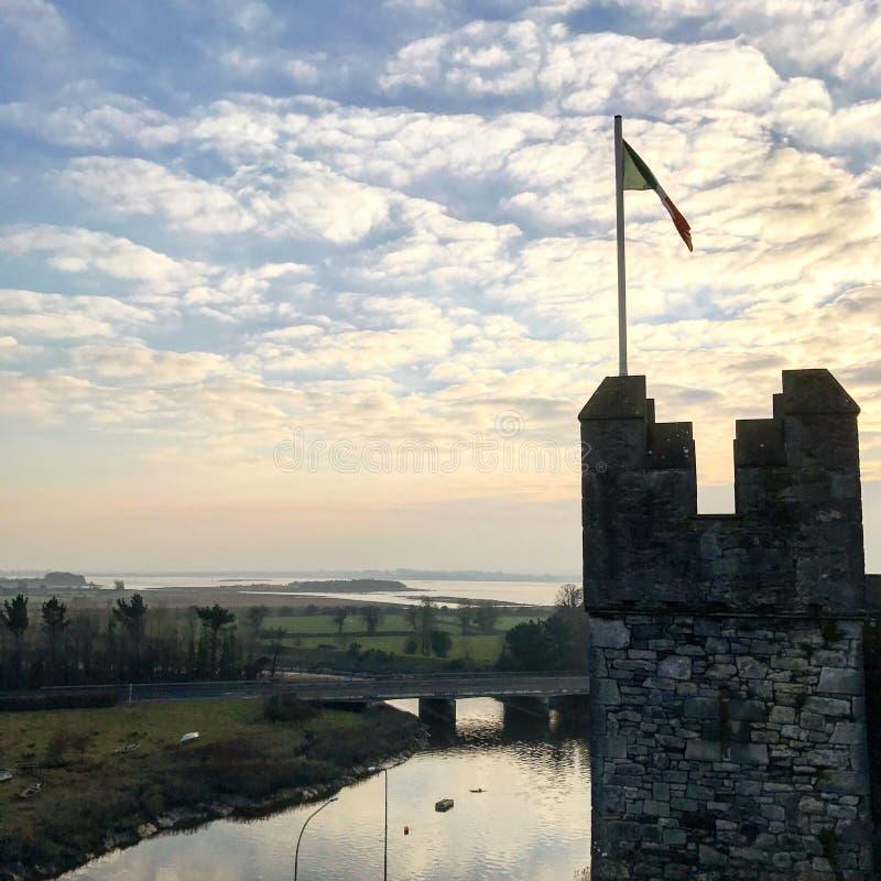 Bunratty kasztel strzelający przy Irlandia zdjęcie royalty free