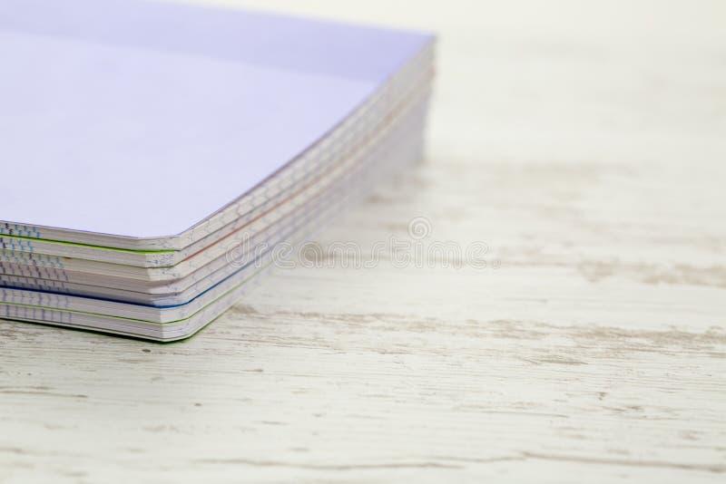 Bunt av anteckningsböcker fotografering för bildbyråer