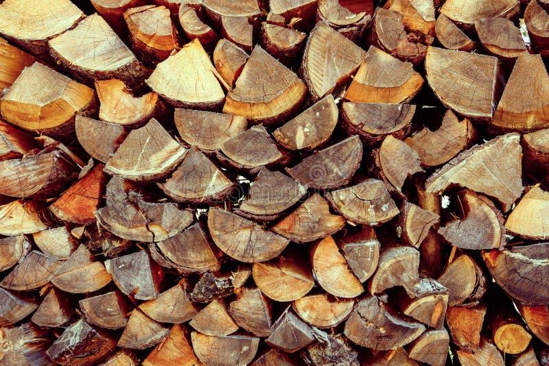 Bunt av huggit av trä i Cortina d'Ampezzo, Dolomites, Italien arkivfoton