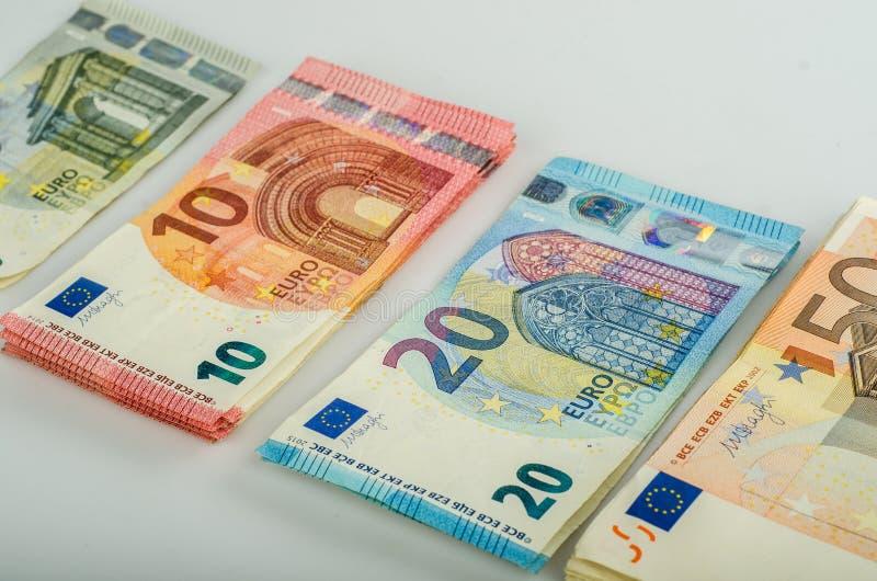 Bunt av många eurosedlar royaltyfria bilder