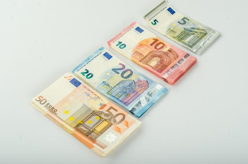 Bunt av många eurosedlar arkivfoton