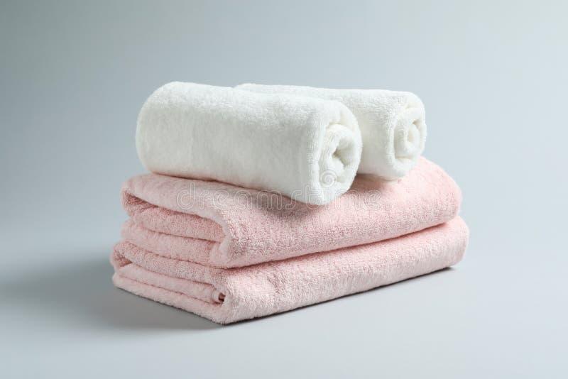 Bunt av nya handdukar royaltyfri fotografi