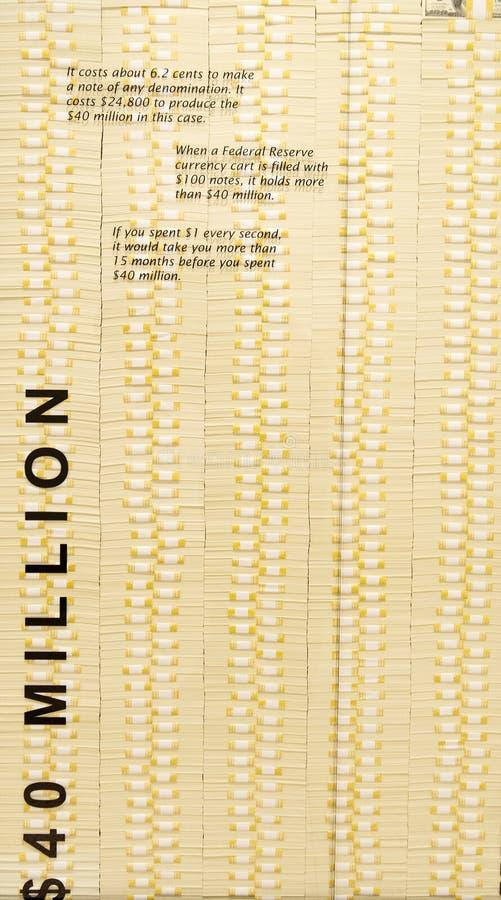 Buntar av kassa - 40 miljon dollar arkivfoto