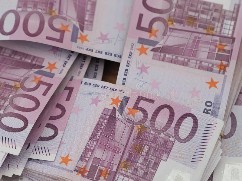Buntar av röda tyska 500 euroanmärkningar royaltyfri bild