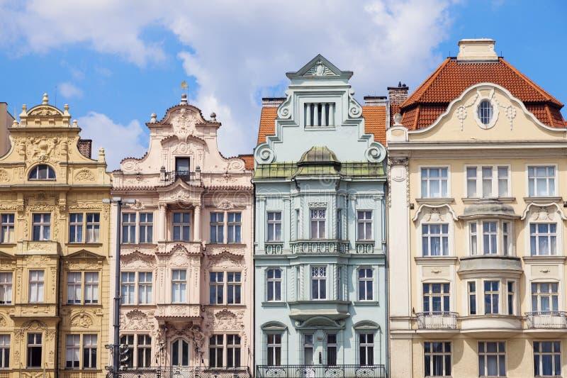 Bunte Architektur des Quadrats der Republik in Pilsen stockfotografie