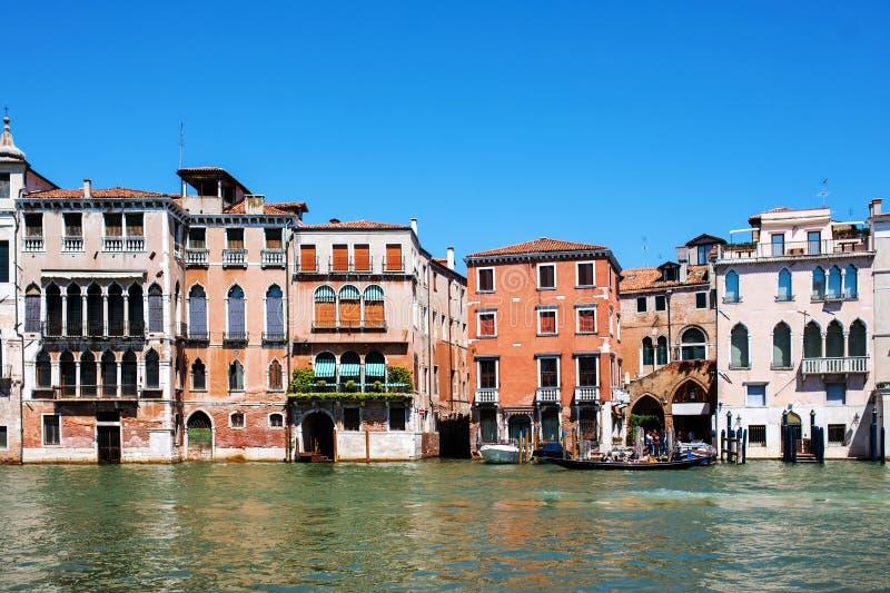 Bunte Architektur in Venedig, Italien lizenzfreies stockbild