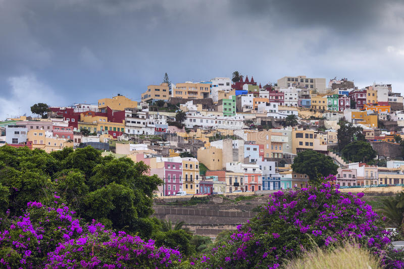 Bunte Architektur von Barrio San Juan im Las Palmas lizenzfreies stockbild
