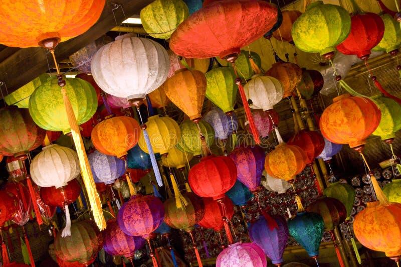 Bunte asiatische Lampen stockbilder