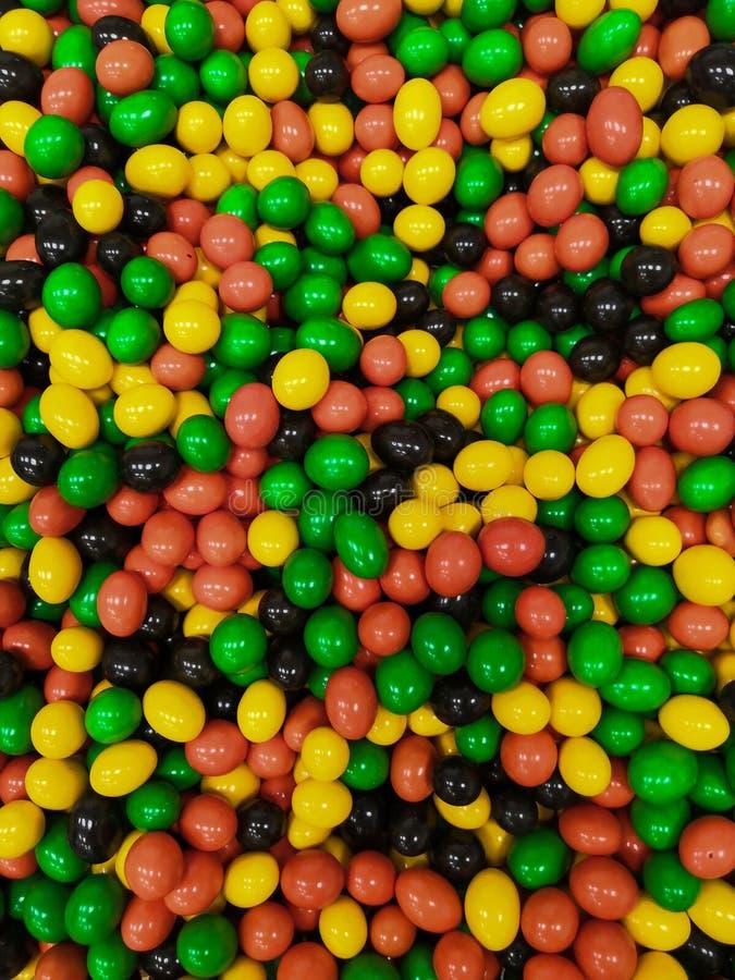 Bunte Bälle Hintergrund und Beschaffenheit Bunte Bälle im Ballpool am Spielplatz Roter, blauer, grüner Ballhintergrund lizenzfreie stockbilder