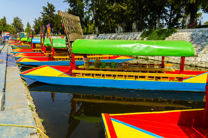 Xochimilco Boote lizenzfreies stockbild