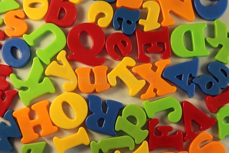 Bunte Buchstaben stockfotografie