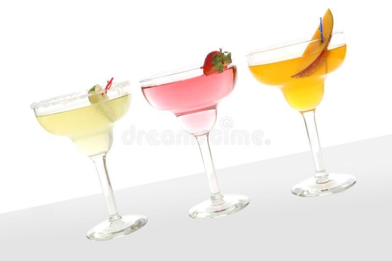 Bunte Cocktails stockfotos