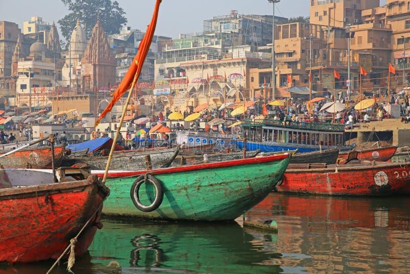 Bunte der Ganges-Szene, Varanasi, Indien lizenzfreies stockfoto