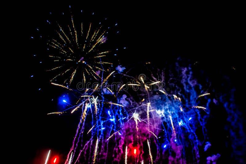 Bunte Feuerwerke in der elektrischen Ozeanshow bei Seaworld 11 stockfoto