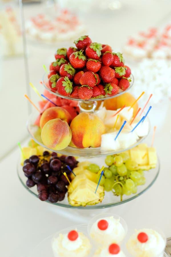Bunte Früchte lizenzfreie stockfotos
