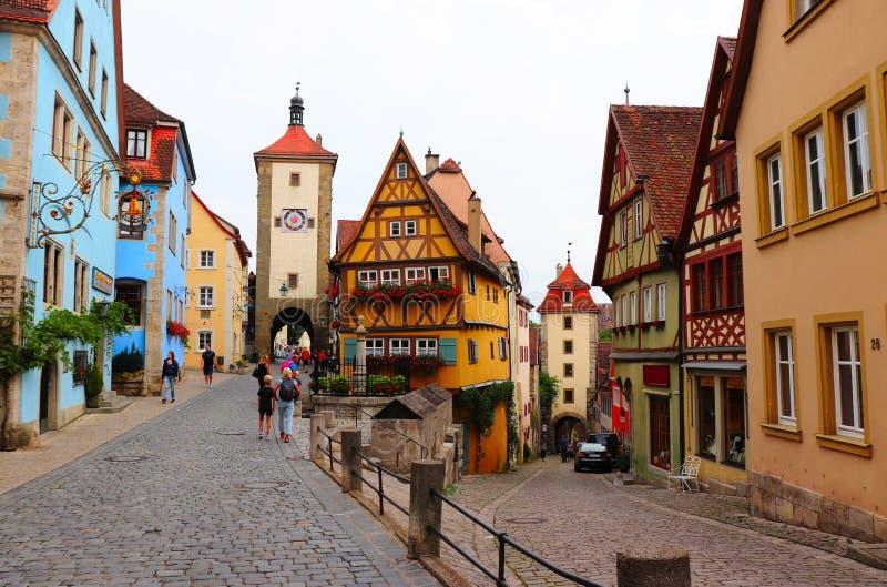 Bunte Gebäude in Rothenburg-ob der Tauber, Deutschland stockbild