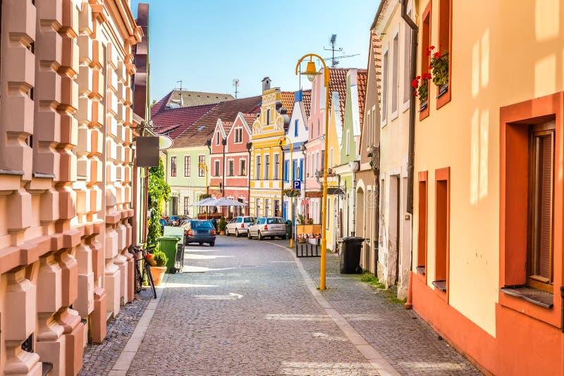 Bunte Gebäude - Trebon, Tschechische Republik, Europa lizenzfreie stockbilder