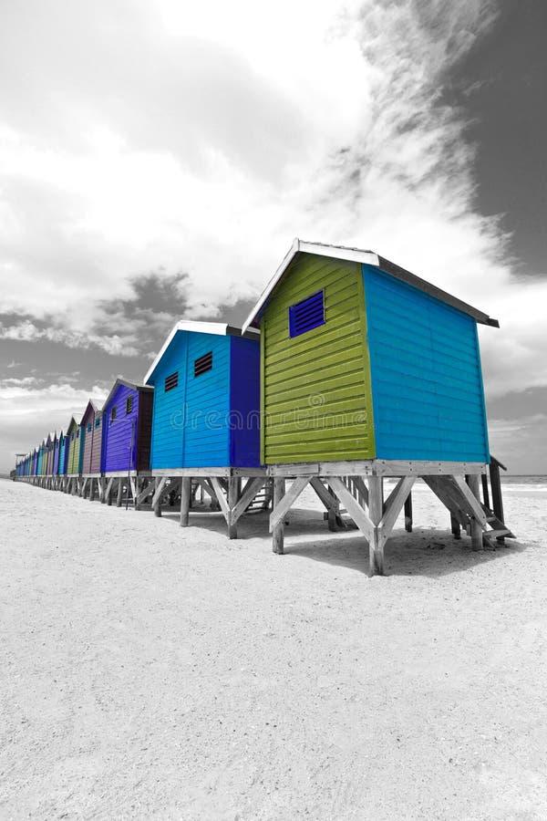 Bunte gemalte Hütte in Cape Town stockfotos