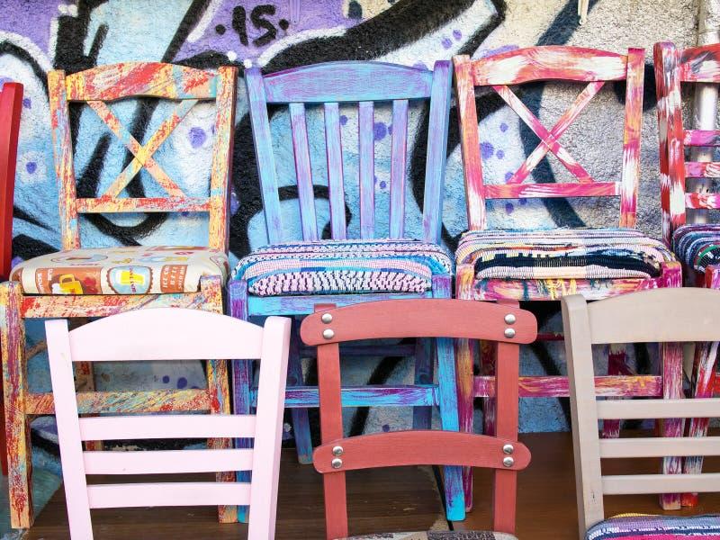 Bunte Gemalte Küchen-Stühle Stockbild - Bild von floh, haupt: 59818981