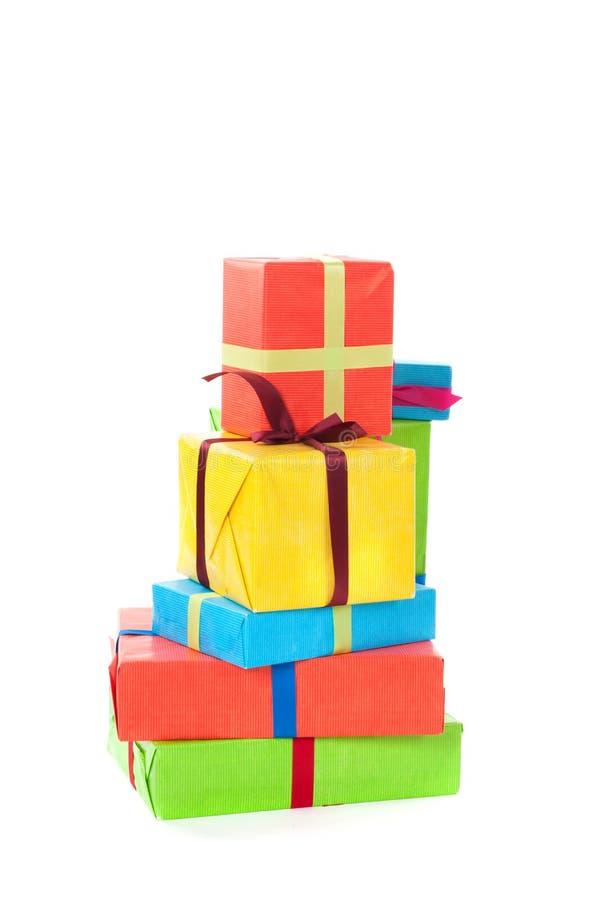 Bunte Geschenke lizenzfreies stockfoto